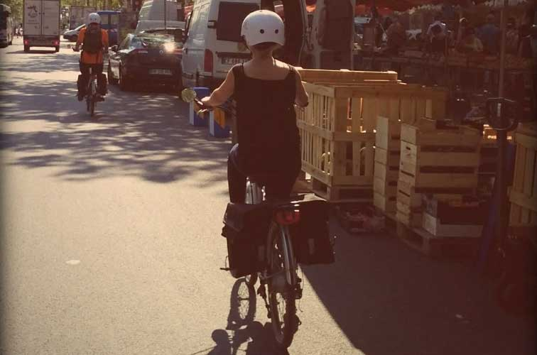 rent a bike in lyon try lyon bike tour slo living hostel. Black Bedroom Furniture Sets. Home Design Ideas